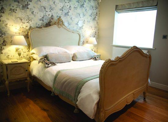 2 550x400 - Hotel Wiltshire
