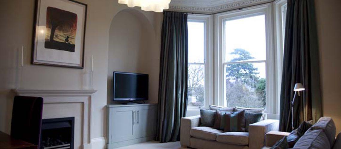 IMG 6995 1140x500 1 - Apartment Central Bath