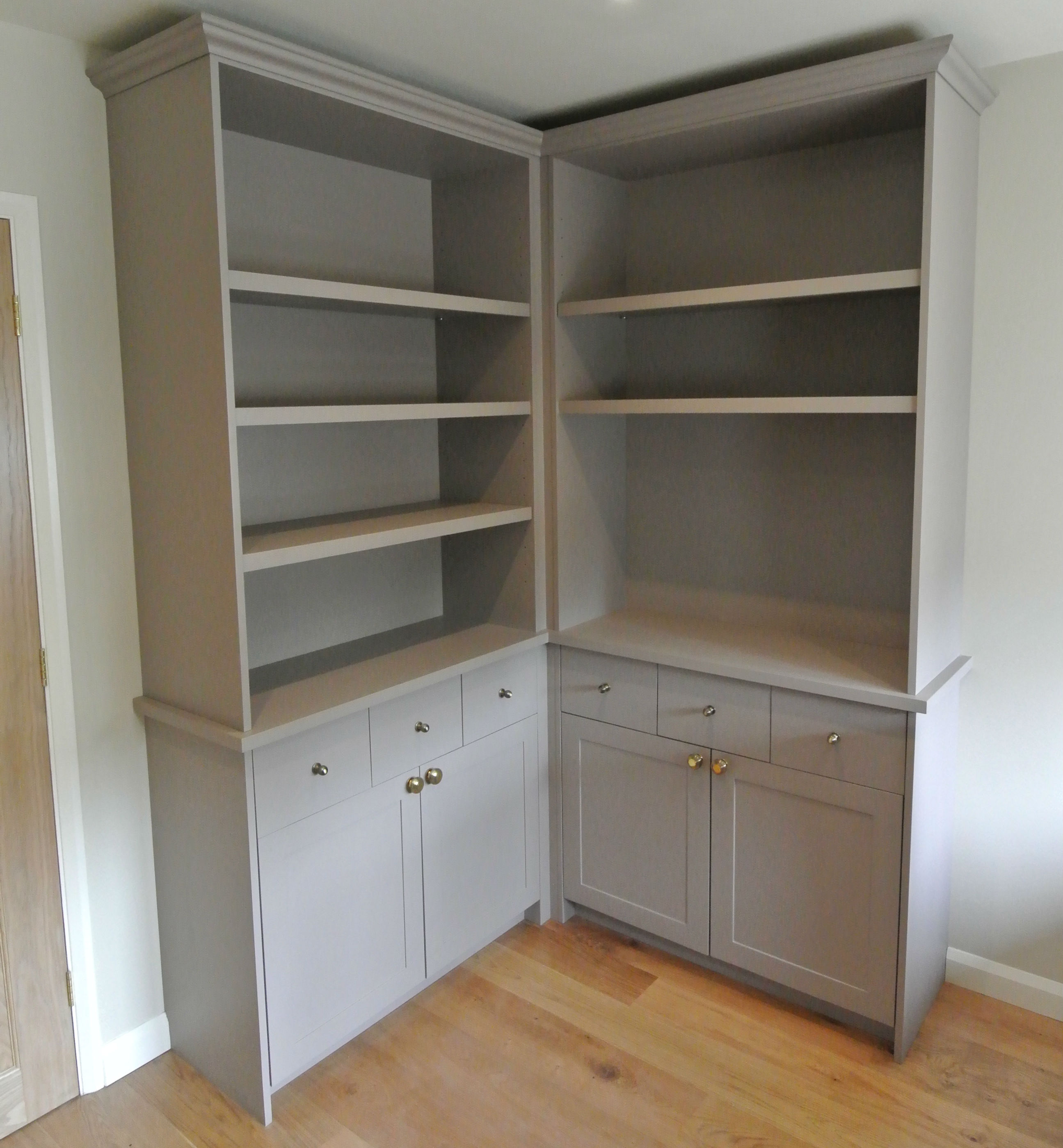 Bookshelves - Bespoke Cabinetry